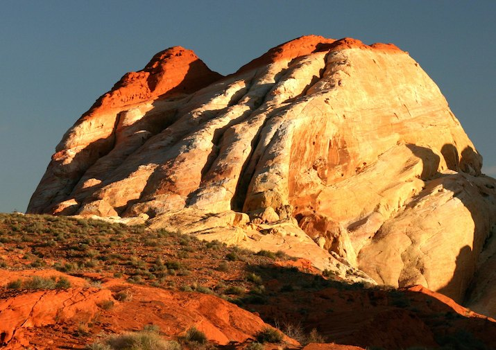 White Domes Loop in Valley of Fire State Park near Las Vegas, Nevada.