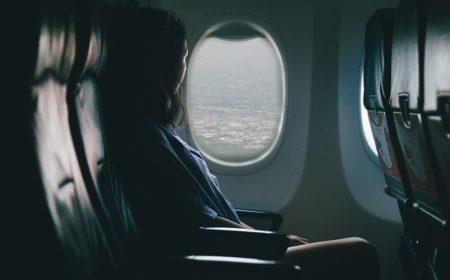 que pasa en tu cuerpo cuando viajas en avion