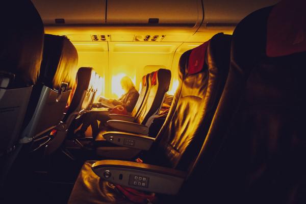 que pasa en tu cuerpo cuando viajas en avión