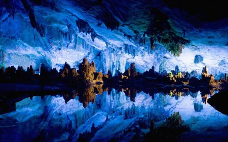 Glowworm caves