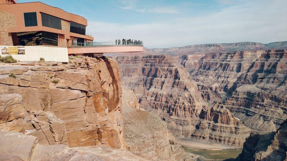Grand Canyon Skywalk, en Arizona, por Stan Lawrimore