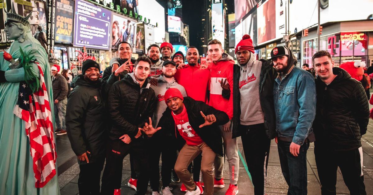 """The Red Raiders are Headed to Madison Square Garden to face #1 Louisville in the 2019 Jimmy V Classic! Play """"Double T Fan Trivia"""" for a Chance to Win a Coach Beard Autographed """"Raider Power"""" Book"""