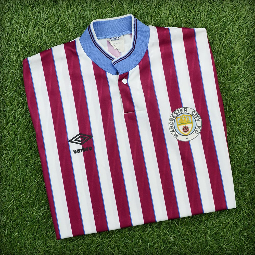 new product 4e2ad eec17 A Look Back at the Best Manchester City Kits of All Time ...