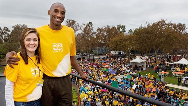 Kobe Bryant honorary chair for HomeWalk 2011 with Elise Buik CEO of United Way of Greater LA