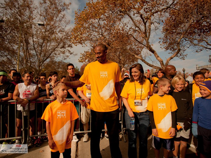 Kobe Bryant honorary chair for HomeWalk 2011 with Elise Buik CEO of United Way of Greater LA