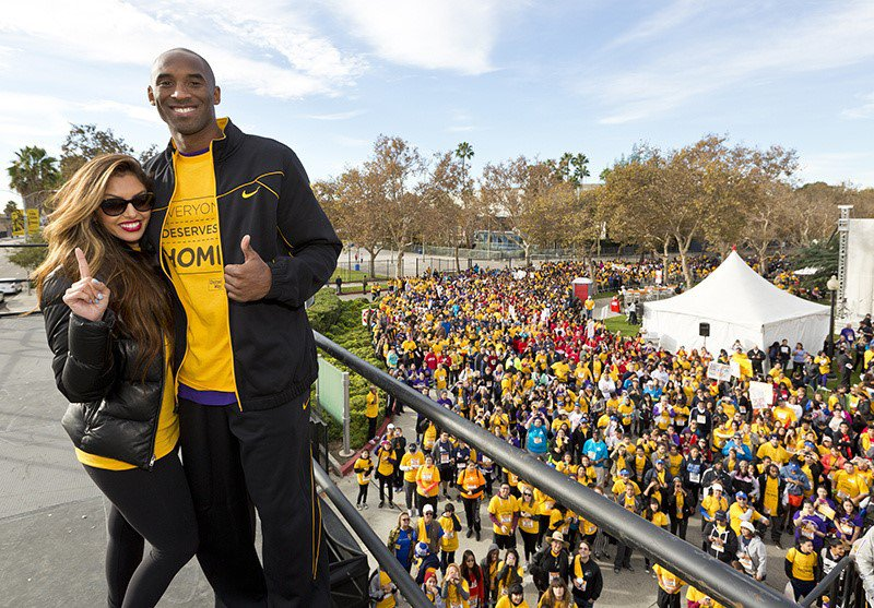 Kobe Bryant honorary chair for HomeWalk 2011