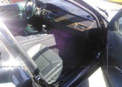 2005 BMW 530 - WBANA735X5B816726 close up View