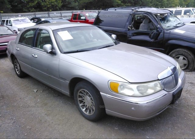 1lnhm81w06y647805 Salvage Silver Lincoln Town Car At Carteret Nj
