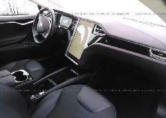 2014 Tesla MODEL S - 5YJSA1H19EFP52944 close up View