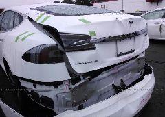 2014 Tesla MODEL S - 5YJSA1H19EFP52944 detail view