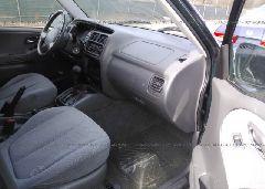 2001 Suzuki GRAND VITARA - JS3TX92V514101682 close up View