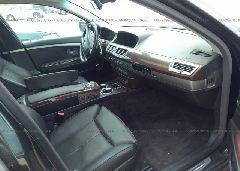 2006 BMW 750 - WBAHN83506DT31024 close up View