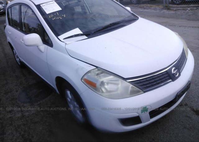 3n1bc13e47l358909 Clear Dealer Only White Nissan Versa At Bay