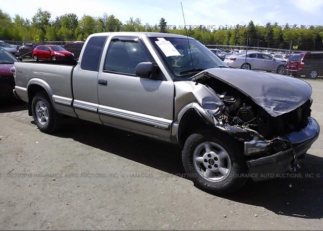 Inventory #400421254 2000 Chevrolet S TRUCK