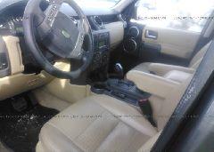 2005 Land Rover LR3 - SALAA25485A310674 close up View