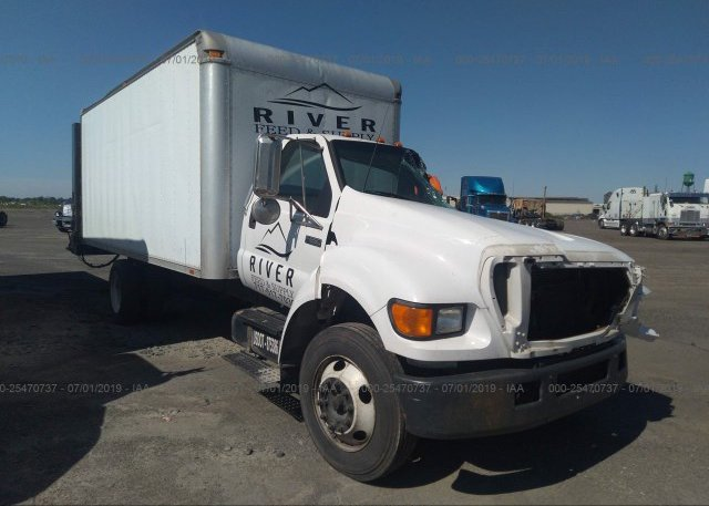 Inventory #915804702 2004 FORD F650