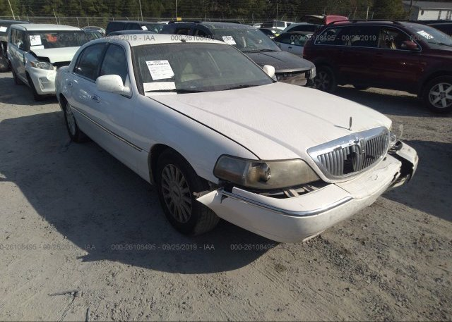 Inventory #944095570 2005 Lincoln TOWN CAR