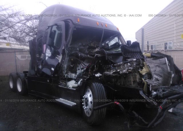 Inventory #718135845 2015 FREIGHTLINER CASCADIA 125