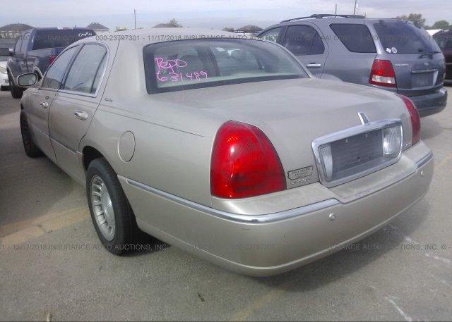 1lnhm81w45y631489 Original Tan Lincoln Town Car At Houston Tx On