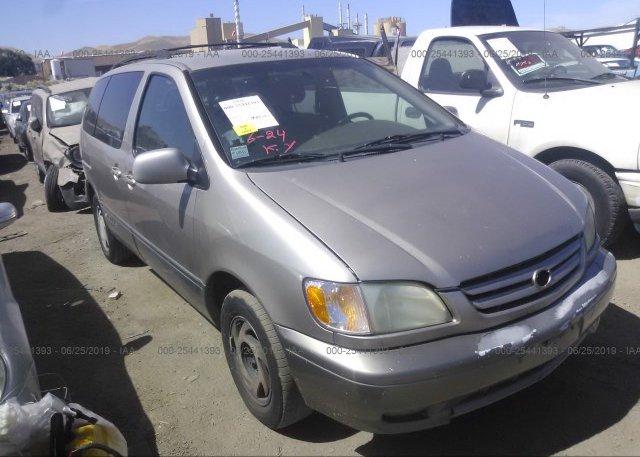 Inventory #257772285 2002 Toyota SIENNA