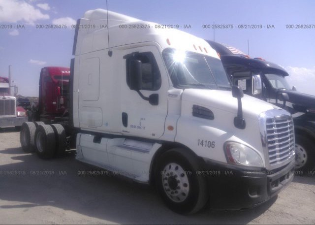 Inventory #816627669 2010 FREIGHTLINER CASCADIA 113
