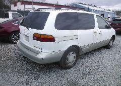 1998 Toyota SIENNA - 4T3ZF13C5WU023571 rear view