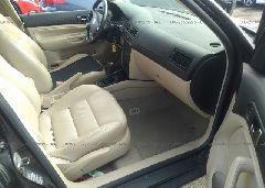 2005 Volkswagen JETTA - 3VWSE69M85M061584 close up View