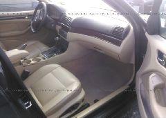 2005 BMW 325 - WBAEU33405PR14805 close up View