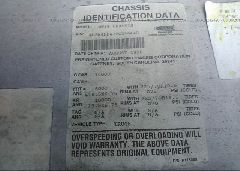 1997 FREIGHTLINER CHASSIS - 4UZA4FF47VC646448 engine view
