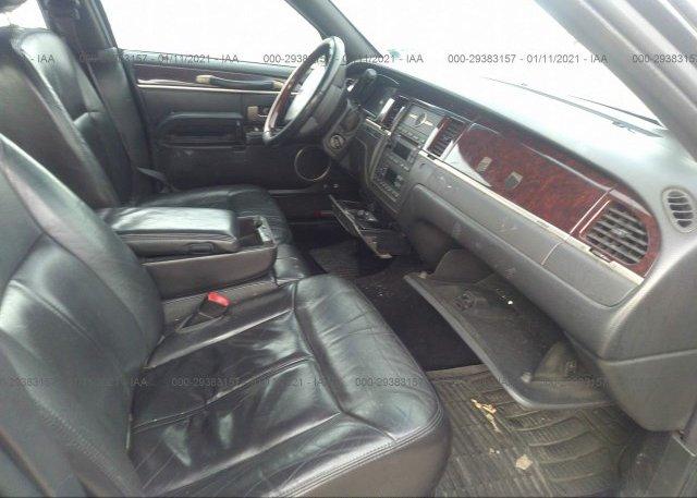 пригнать из сша 2010 LINCOLN TOWN CAR 2LNBL8CV9AX613979