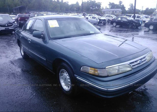 Inventory #871370641 1996 FORD CROWN VICTORIA