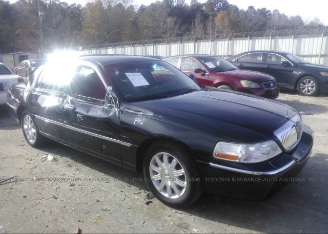2lnbl8cv8bx755046 Salvage Black Lincoln Town Car At Winder Ga On