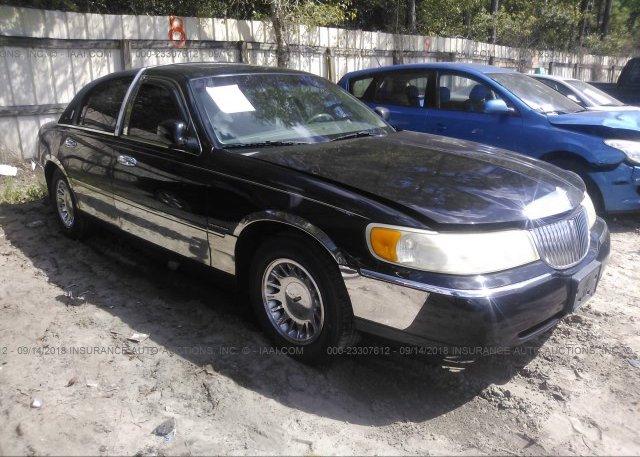 1lnhm82w0yy764561 Salvage Greater Than 75 White Lincoln Town Car