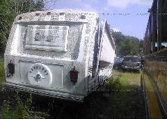 1987 CARRIAGE 5TH WHEEL 32 - 16F62BHR1H1008018 rear view