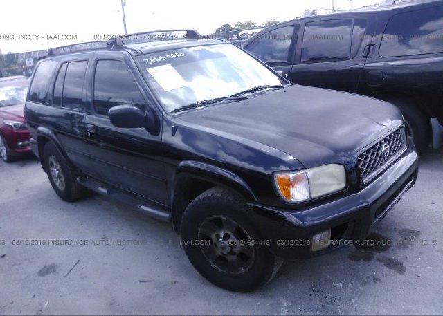 JN8AR07S8YW423634, Clear black Nissan Pathfinder at OPA