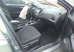 2017 Chevrolet CRUZE - 1G1BE5SM8H7135648 close up View