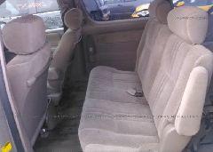 2001 Toyota SIENNA - 4T3ZF19C41U393054 front view