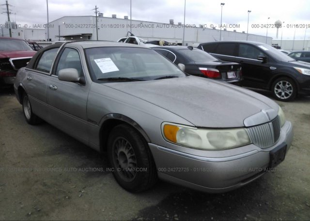 Inventory #490378125 2001 Lincoln TOWN CAR