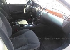 2009 Chevrolet IMPALA - 2G1WT57N991299174 close up View
