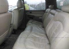 2002 Chevrolet SUBURBAN - 3GNFK16ZX2G199015 front view