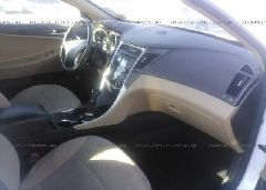 2013 Hyundai SONATA - 5NPEB4AC7DH710473 close up View