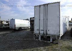 2000 WABASH NATIONAL CORP VAN - 1JJV532W8YF615079 rear view
