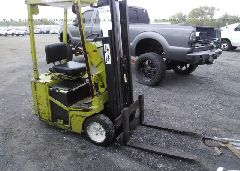 1998 CLARK ELECTRIC FORKLIFT
