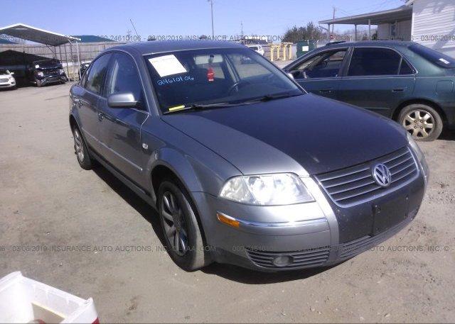 Inventory #669229046 2004 Volkswagen PASSAT
