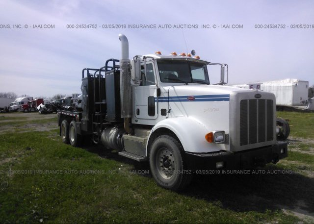 1NPTL40X8CD155149, Clear Peterbilt 367 at SAN ANTONIO
