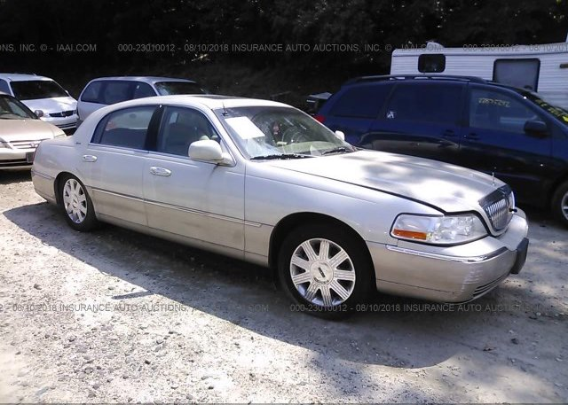 1lnhm83w04y679972 Salvage Parts Only Cream Lincoln Town Car At