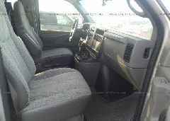 2006 Chevrolet EXPRESS G1500 - 1GNFG15T761205727 close up View