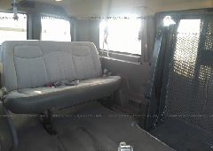 2006 Chevrolet EXPRESS G1500 - 1GNFG15T761205727 front view