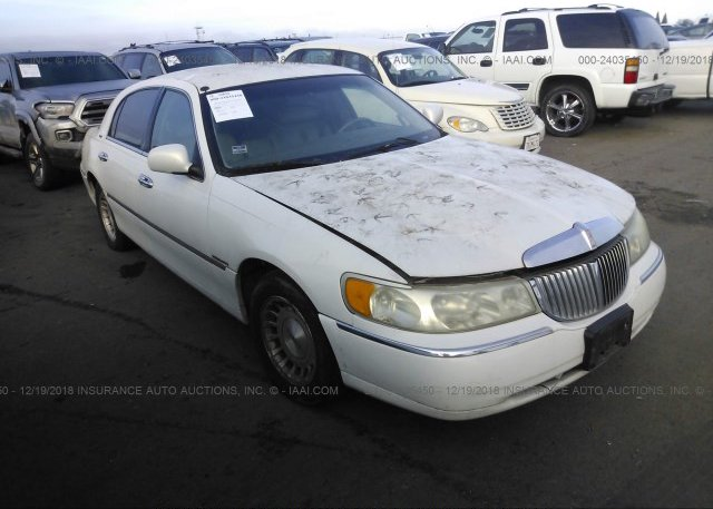 1lnhm81w2xy698465 Clear Dealer Only White Lincoln Town Car At
