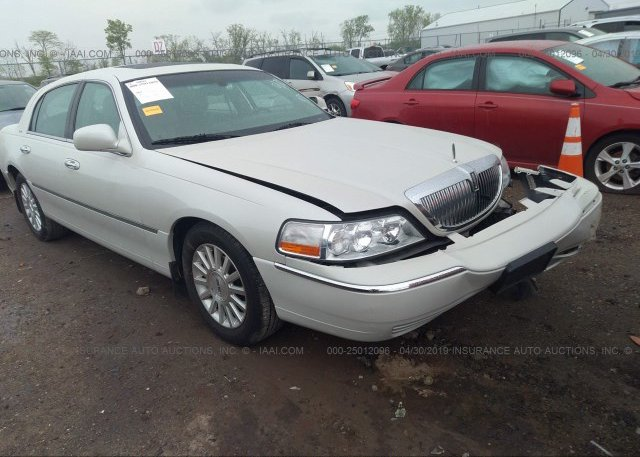 Inventory #285601824 2004 Lincoln TOWN CAR